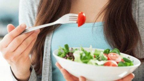 Dejar de fumar te ayudará a sentirte bien y mejorar tu salud, pero… ¿Quieres saber cómo lograrlo sin coger peso?